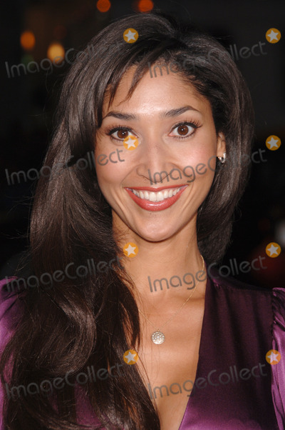 Bettina Bush Photo - Singer BETTINA BUSH at the Los Angeles premiere for Employee of the Month at the Graumans Chinese Theatre HollywoodSeptember 19 2006  Los Angeles CA 2006 Paul Smith  Featureflash