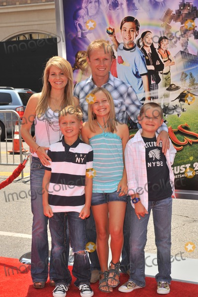Candace Cameron-Bure Photo - Candace Cameron Bure  husband Valeri Bure  children at the Los Angeles premiere of Shorts at Graumans Chinese Theatre HollywoodAugust 15 2009  Los Angeles CAPicture Paul Smith  Featureflash
