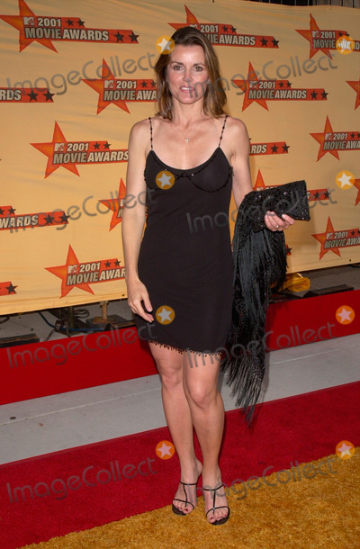 Alex Donnelly Photo - Actress ALEX DONNELLY at the MTV Movie Awards in Los Angeles02JUN2001