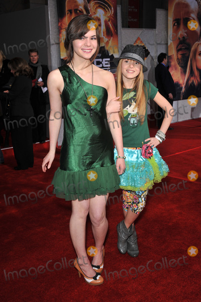 Kaili Thorne Photo - Bella Thorne (right)  sister Kaili Thorne at the world premiere of Race to Witch Mountain at the El Capitan Theatre HollywoodMarch 11 2009  Los Angeles CAPicture Paul Smith  Featureflash