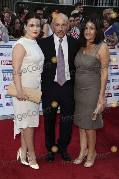 Barry McGuigan Photo - Barry McGuigan and family arriving for the 2011 Pride Of Britain Awards at the Grosvenor House Hotel London 04102011 Picture by Steve Vas  Featureflash