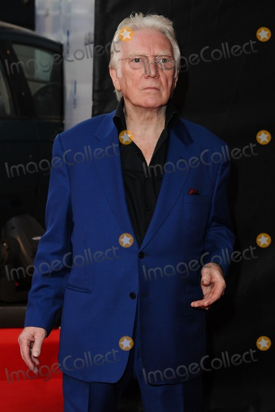 Alan Ford Photo - Alan Ford arrives for the premiere of The Sweeney at the Vue cinema Leicester Square London 04092012 Picture by Steve Vas  Featureflash