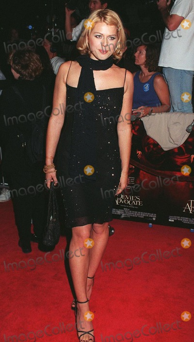 Amanda De Cadenet Photo - 13OCT97 Actress AMANDA DE CADENET at the world premiere of Devils Advocate The movie stars Keanu Reeves  Al Pacino