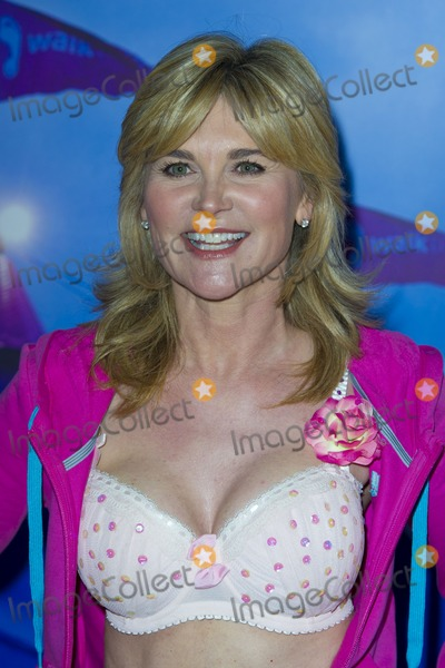 Anthea Turner Photo - Anthea Turner taking part in the 15th Annual Moonwalk  to raise funds for Breast Cancer Research Hyde Park London 12052012 Picture by Simon Burchell  Featureflash