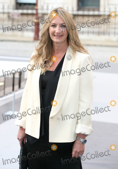 Anya Hindmarch Photo - Anya Hindmarch arriving for The Royal Academy of Arts - Summer Exhibition Preview Party at the The Royal Academy of Arts London 02062011  Picture by Alexandra Glen  Featureflash