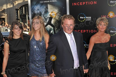 Tom Berenger Photo - Tom Berenger at the Los Angeles premiere of his new movie Inception at Graumans Chinese Theatre HollywoodJuly 13 2010  Los Angeles CAPicture Paul Smith  Featureflash