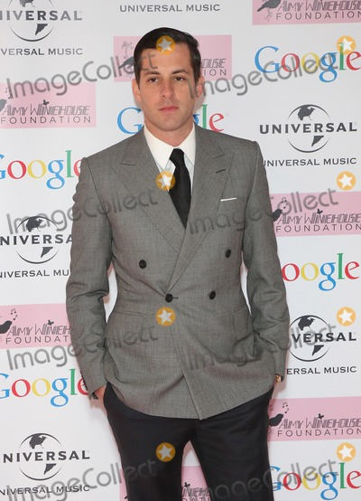 Amy Winehouse Photo - Mark Ronson arriving for the Amy Winehouse Foundation Dinner London 20112013 Picture by Henry Harris  Featureflash