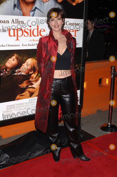 Janine Turner Photo - Actress JANINE TURNER at the Los Angeles premiere of Upside of AngerMarch 3 2005 Los Angeles CA 2005 Paul Smith  Featureflash
