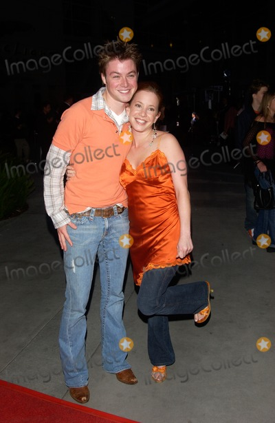 Amy William Photo - Actress AMY DAVIDSON  actor COLE WILLIAMS at the world premiere in Hollywood of Mean GirlsApril 19 2004