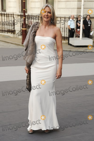 Amanda Wakeley Photo - Amanda Wakeley arrives for the RAA Summer exhibition launch party at the Royal Academy of Arts Piccadilly London 02062011  Picture by Steve Vas  Featureflash