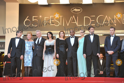 Alexander Payne Photo - Cannes Jury (Nanni Moretti Hiam Abbass Andrea Arnold Emmanuelle Devos Diane Kruger Jean-Paul Gaultier Ewan McGregor Alexander Payne  Raoul Peck) at the premiere of Moonrise Kingdom - the gala opening of the 65th Festival de CannesMay 16 2012  Cannes FrancePicture Paul Smith  Featureflash