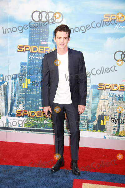 Drake Bell Photo - Drake Bell 06282017 The World Premiere of Spider-Man Homecoming held at the TCL Chinese Theatre in Los Angeles CA Photo by Izumi Hasegawa  HollywoodNewsWireco