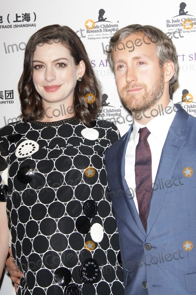 Adam Shulman Photo - Anne Hathaway Adam Shulman 20160127 LA Art Show and Los Angeles Fine Art Shows 2016 Opening Night Premiere Party Benefiting St Jude Childrens Research Hospital held at Los Angeles Convention Center in Los Angeles CA Photo by Kazumi Nakamoto  HollywoodNewsWirenet