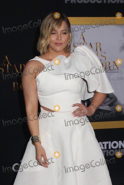 Margot Robbie Photo - Margot Robbie 09242018 The Los Angeles Premiere of A Star is Born held at The Shrine Auditorium  Expo Hall in Los Angeles CA Photo by Izumi Hasegawa  HollywoodNewsWireco