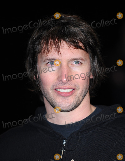 James Blunt Photo - London UK  James Blunt  at the World Premiere of the film Avatar held at the Odeon Cinema Leicester Square 10th December 2009 Ref    Eric BestLandmark Media