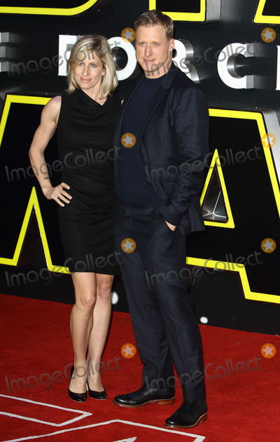 Alan Tudyk Photo - LondonUK Alan Tudyk and guest at the Star Wars The Force Awakens - European Premiere at Leicester Square  16th December 2015Ref LMK73-59062-171215Keith MayhewLandmark Media WWWLMKMEDIACOM