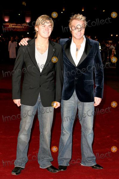 Andy Pemberton Photo - London Carl and Andy Pemberton at the UK premiere of  King Kong at the Odeon Leicester Square08 December 2005Jenny RobertsLandmark Media