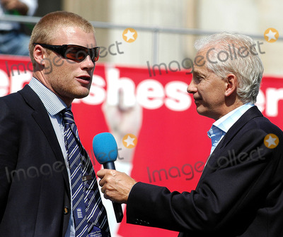 Andrew Flintoff Photo - LondonDavid Gower interviews Andrew Flintoff at the victory parade that ended in Trafalgar Square Thousands of fans made an appearance to cheer on their new heros The event has been compared to England winning the Rugby World Cup in 2003 and also the Football World Cup in 1966September 13th 2005Picture by Ali KadinskyLandmark Media