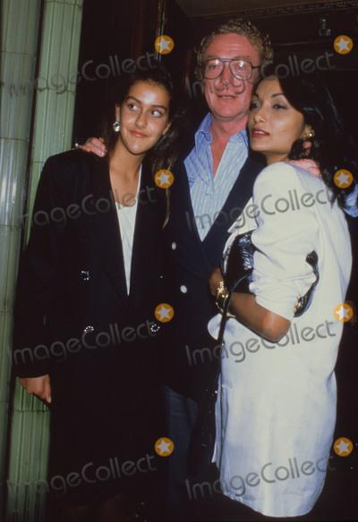 Shakira Photo - London UK LIBRARY Michael Caine with wife Shakira Caine (right) and daughter Natasha Caine Mid 1990s ReCap10072020RefLMK11-SLIB100720-001  PIP-Landmark MediaWWWLMKMEDIACOM