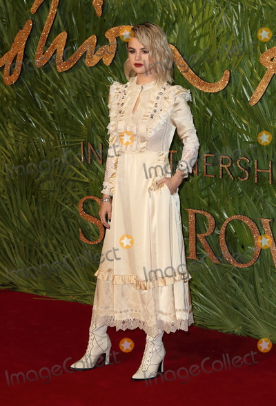 Selena Gomez Photo - London UK Selena Gomez at The Fashion Awards 2017 at the Royal Albert Hall Kensington Gore London on Monday 4 December 2017Ref LMK73-J1245-051217Keith MayhewLandmark MediaWWWLMKMEDIACOM