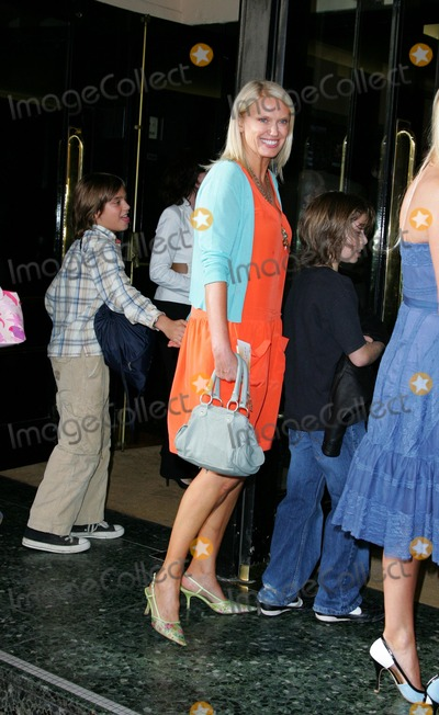 Anneka Rice Photo - London UK Anneka Rice at the Press Night for Joseph and the Amazing Technicolour Dreamcoat at the Adelphi Theatre London 17th July 2007Keith MayhewLandmark Media