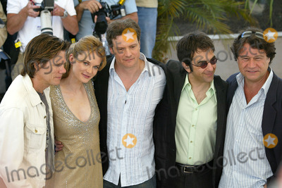 Atom Egoyan Photo - Cannes FrancePhotocall at the riviera terrasse for Where the Truth Lies with Atom Egoyan Rachel Blanchard Kevin Bacon Colin Firth and Robert Lantos13th May 2005Picture by Jenny RobertsLandmark Media