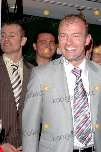 Alan Shearer Photo - London UK Alan Shearer at 2006 HMV Football Extravaganza where - The extraordinary achievements of Alan Shearer - the greatest goal-scorer in Premiership history- are celebrated held at Londons Grosvenor House Hotel Park Lane18 April 2006Ali KadinskyLandmark Media