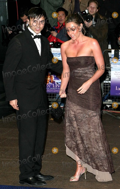 Andy Scott-Lee Photo - London Michelle Heaton (Liberty X) and boyfriend Andy Scott-Lee  arrive at the film premiere of Ladies in Lavender in Leicester Square08 November 2004Paulo PirezLandmark Media