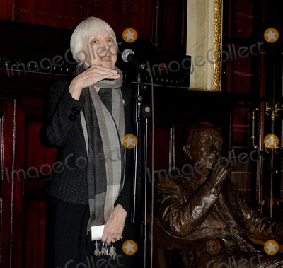 Anna Massey Photo - London UK Anna Massey  lay flowers and speak at the Theatre Royal in Covent Garden on the occasion of Noel Cowards birthday16th December 2006  Ali KadinskyLandmark Media