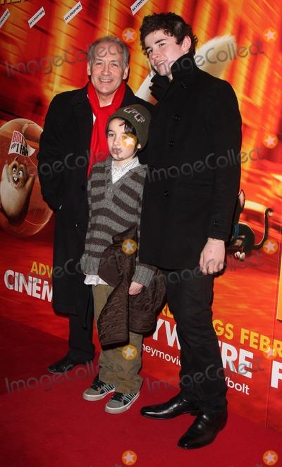 Alistair Stewart Photo - London UK Alistair Stewart at the VIP Screening of Bolt 3D held at the Cineworld in Haymarket London 1st February 2009Keith MayhewLandmark Media