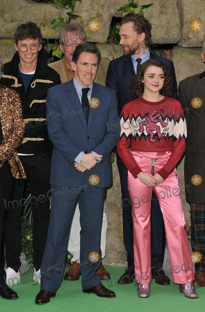 Tom   Hiddleston Photo - London UK Eddie Redmayne Rob Brydon Tom Hiddleston Maisie Williams  at the Early Man World Premiere held at BFI IMAX on January 14 2018 in London England Ref LMK392-J1387-150118Vivienne VincentLandmark MediaWWWLMKMEDIACOM
