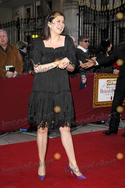 Amanda Lamb Photo - London UK Amanda Lamb arrives for the Galaxy British Book Awards at the Grosvenor House Hotel Park Lane in Central London UK9th  April 2008Ali KadinskyLandmark Media2008