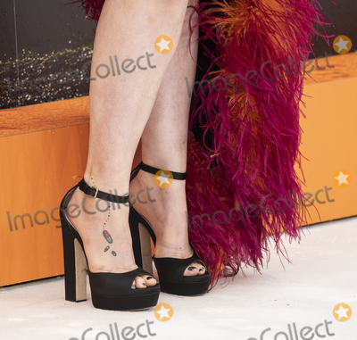 Lena Dunham Photo - London England Lena Dunham at  the UK Premiere of Once Upon a Time in Hollywood Odeon Luxe Leicester Square London England 30th July 2019Ref LMK386-J5279-310719Gary MitchellLandmark MediaWWWLMKMEDIACOM