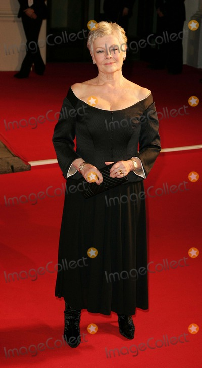 Judi Dench Photo - London Judi Dench at the British Academy Film Awards 2007 held at the Royal Opera House Covent Garden 11th  February 2007 Keith MayhewLandmark Media