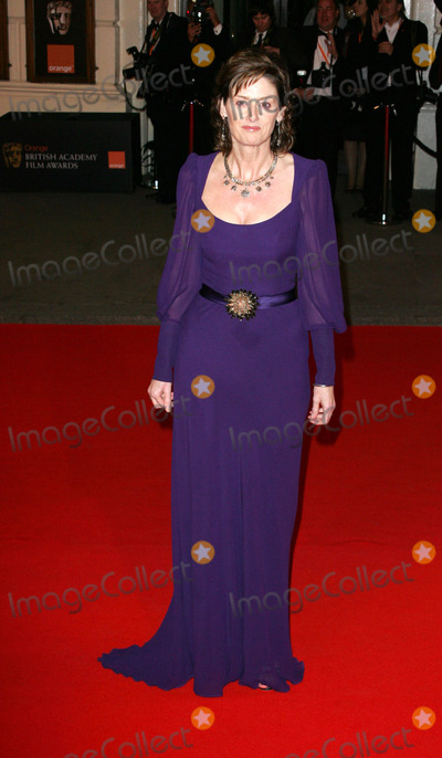 Amanda Barrie Photo - London UK Amanda Barrie at the Orange British Academy of Film and Television Arts (BAFTA) Awards held at the Royal Opera House in Covent Garden10 February 2008  Keith MayhewLandmark Media