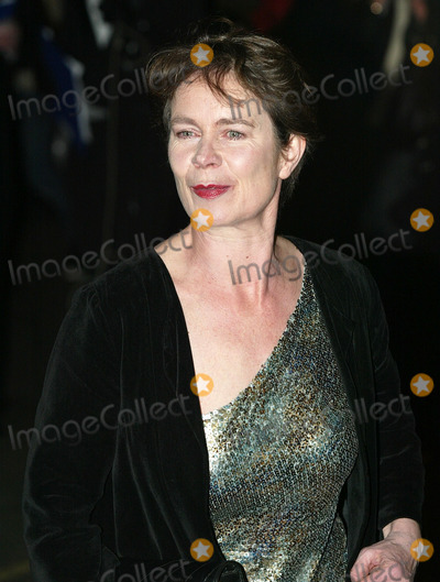 Celia Imrie Photo - London Celia Imrie at the Laurence Olivier Awards held at the London HiltonFebruary 26th 2006Picture by Steve BakerLandmark Media