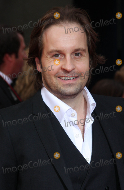 Alfie Boe Photo - London UK Alfie Boe at The Olivier Awards at the Theatre Royal Drury Lane 13th March 2011Keith MayhewLandmark Media