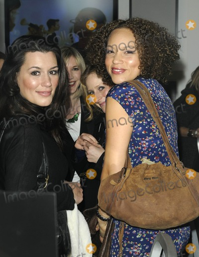 Nicola Stephenson Photo - London UK Kate Magowan Lisa Faulkner Nicola Stephenson and Angela Griffin at the Bobbi Brown book launch party held at the Getty Images Gallery in London 29th January 2009Can NguyenLandmark Media