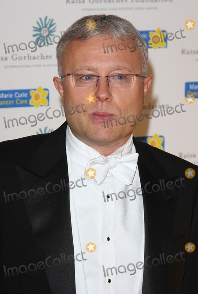 Alexander Lebedev Photo - London UK Russian businessman and the owner of the London Evening Standard newspaper Alexander Lebedev at the Raisa Gorbachev Foundation Gala Dinner at Stud House Hampton Court 6th  June  2009  Keith MayhewLandmark Media