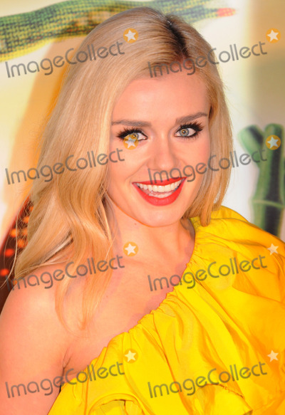 Katherine Jenkins Photo - London UK Katherine Jenkins at the Premiere of Cirque du Soleils Totem at the Royal Albert Hall London 5th January 2011Matt LewisLandmark Media