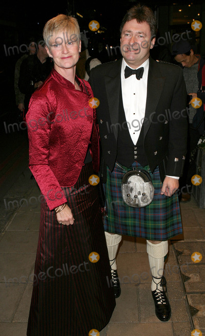 Alan Titchmarsh Photo - London Alan Titchmarsh and guest  at the Rainbow Ball Dorchester Hotel London 19th November 2004 Paolo PirezLandmark Media
