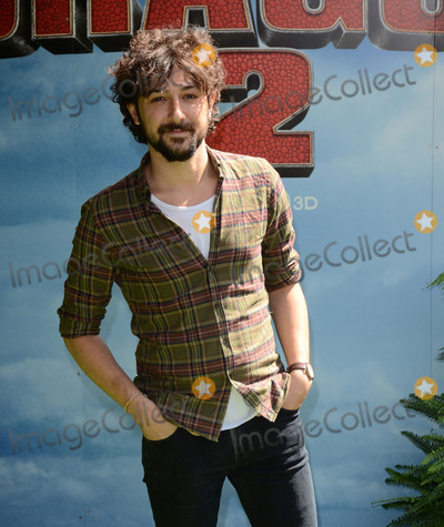 Alex Zane Photo - London UK  Alex Zane  attends the How To Train Your Dragon 2 Gala Screening at Vue West End Leicester Square London on 22nd June 2014Ref LMK392 -48874-230614Vivienne VincentLandmark Media WWWLMKMEDIACOM