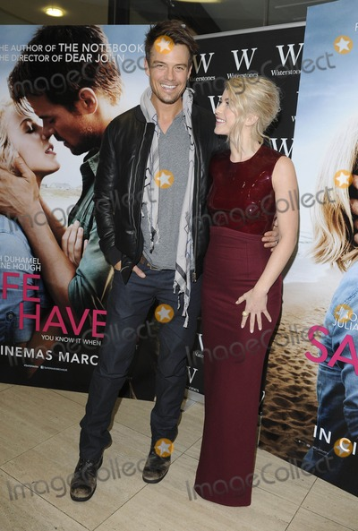 Nicholas Sparks Photo - London UK Josh Duhamel and Julianne Hough at An Evening with Nicholas Sparks and stars of Safe Haven  at Waterstones Piccadilly London February 20th 2013 Gary MitchellLandmark Media