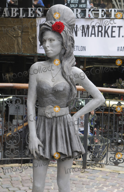 Amy Winehouse Photo - London UK  Amy Winehouse Statue unveiled at Stables Yard Camden Winehouse would have been 31 on the 14th September 2014  14th September 2014 RefLMK326-49549-160914     Matt LewisLandmark Media WWWLMKMEDIACOM