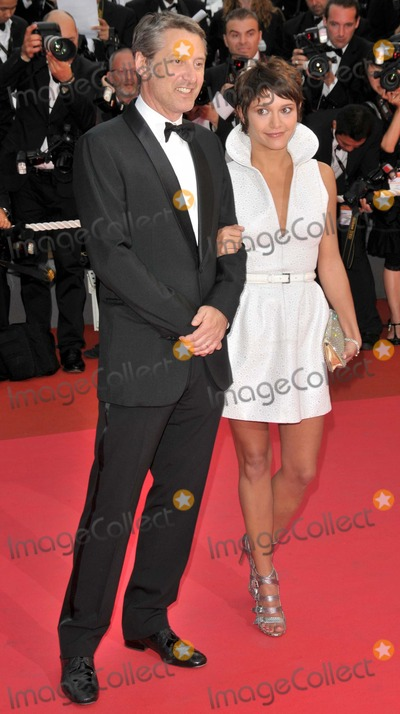 Antoine de Caunes Photo - CannesFrance Antoine de Caunes and Emma at the  premiere of Changeling at the 61st Cannes Film Festival   20th May 2008 SydLandmark Media