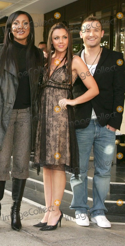 Kelli Young Photo London Uk Kelli Young Michelle Heaton And Kevin Simm Of Pop Group