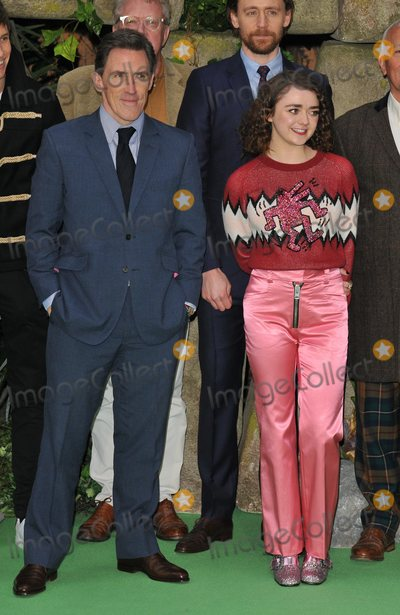 Rob Brydon Photo - London UK Rob Brydon and Maisie Williams at the Early Man World Premiere held at BFI IMAX on January 14 2018 in London England Ref LMK392-J1387-150118Vivienne VincentLandmark MediaWWWLMKMEDIACOM