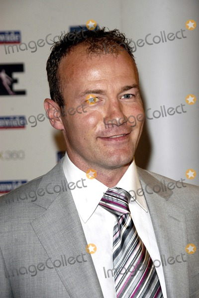 Alan Shearer Photo - London UK Alan Shearer at 2006 HMV Football Extravaganza where - The extraordinary achievements of Alan Shearer - the greatest goal-scorer in Premiership history- are celebrated held at Londons Grosvenor House Hotel Park Lane 18 April 2006Chris JosephLandmark Media