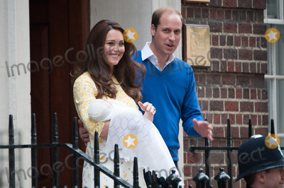 As Yet Photo - London UK LondonUK HRH Prince William The Duke Of Cambridge and wife Kate The Duchess of Cambridge display their as yet unnamed new baby girl a princess at St Marys Hospital Lindo Wing London England 2nd May 2015 RefLMK370-50109-030515Justin NgLandmark MediaWWWLMKMEDIACOM