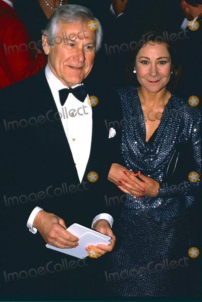 Shakespear Photo - London UK LIBRARY Sam Wanamaker (1919-1993) and daughter Zoe Wanamaker at a gala event in London in the late 1980s Actor and writer Sam Wanamaker moved to London from the USA He set up the Shakespeare Globe Trust to re-build in the 17th century theatre which became linked with Shakespeares most famous productions The replica theatre was eventually built by Sam Wanamaker died before completion This year marks the 400 year anniversay of William Shakespeares death on 23rd April 1616 ReCaptioned 19th February 2016 RefPIP-LMK11-LIB190216-001 People in Pictures-Landmark Media WWWLMKMEDIACOM
